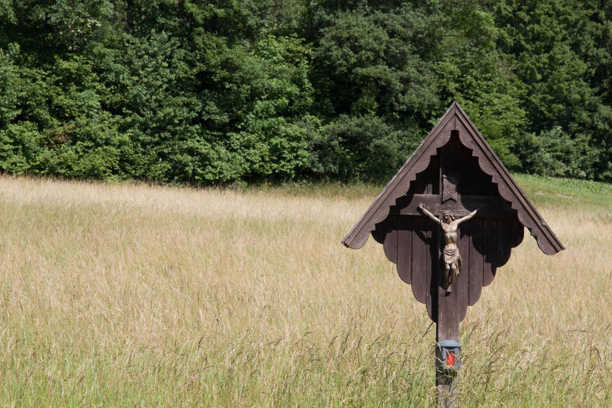 Wayside cross near Hafnerberg.